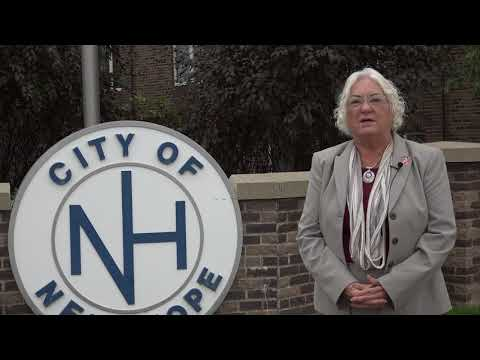 Mayor of New Hope for Affinity Plus New Hope Branch Grand Opening
