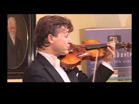 Manrico Padovani - Paganini's -ORIG FINGERINGS- Capriccio n. 21 in A major live in Vienna 10 of 11