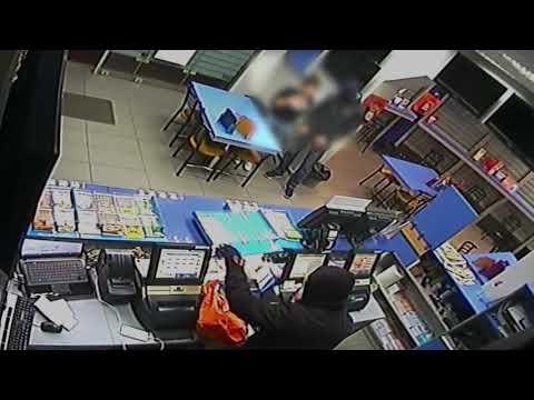Η ΑΣΤΥΝΟΜΙΑ ΕΔΩΣΕ ΤΑ ΣΤΟΙΧΕΙΑ ΤΟΥΣ Βίντεο με τον ψηλό και τον κοντό: Ετσι χτύπαγαν οι ένοπλοι ληστές που ρήμαξαν καταστήματα της Αθήνας