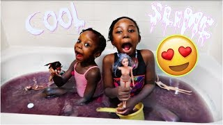 The Famous Sisters  Bath in Slime with barbies! The Famous Sisters
