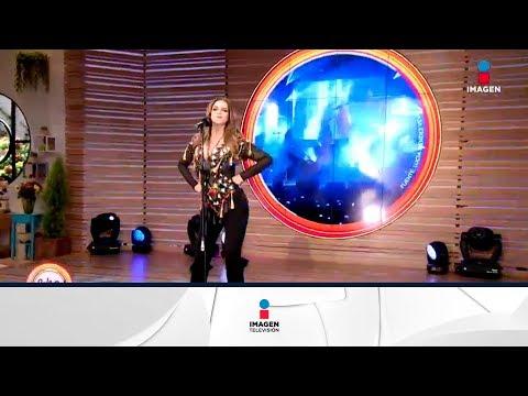 ¡Lucia Méndez canta 'Un alma en pena' en el foro! | Sale el Sol