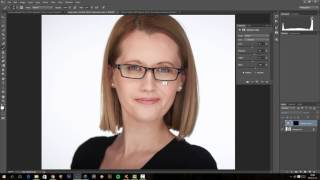 How to reduce lens reflection in Photoshop