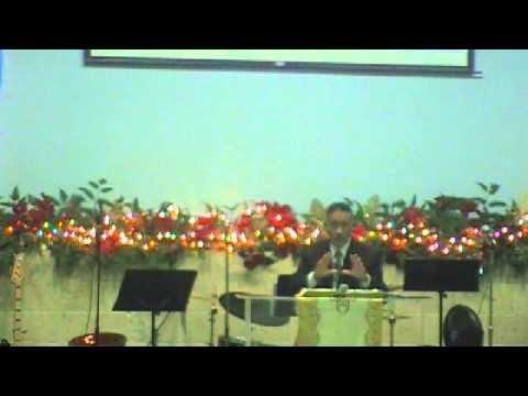 Pastor Enrique Rivera en la predicacion 11/30/2014
