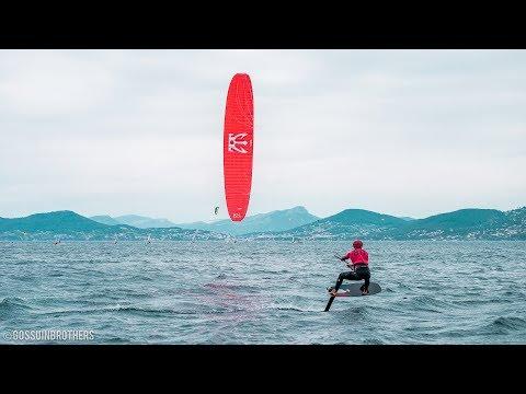 Compétition de Foil à l'Almanarre avec le Hyeres kite association et le spot kite center.