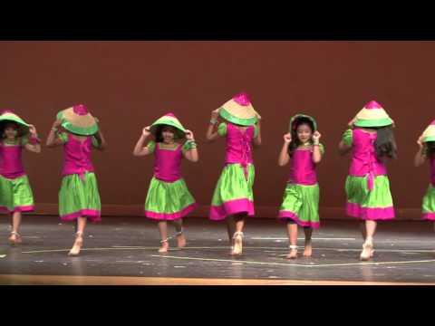 GCKA Onam 2015 - Kids Dance - Makara Maasa Pularithan Thaalam
