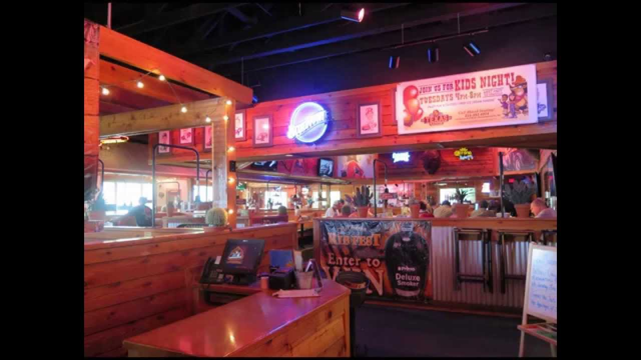 Visiting Texas Roadhouse restaurant in USA 2015 - YouTube