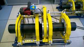 Сварка труб пэ нагретым инструментом (стыковая сварка)(Процесс сварки пэ труб встык Использовались: Аппарат фирмы Sauron (Пайпфюз-315) Труба 160 d 11 SDR Сварщик ООО