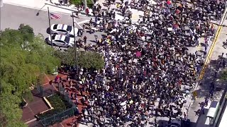 Miami Protests Start Peacefully, Turn Violent As Some Demonstrators Begin Looting
