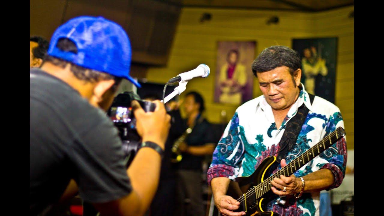 ASYIK DAN SYAHDU RHOMA IRAMA. Latihan Lagu Syahdu di Studio Soneta ...