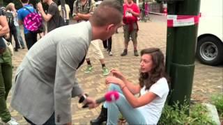 Anitfascisten proberen PowNews te beuken bij Haagse demonstratie