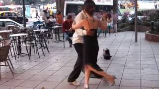 Танго на улице Буэнос-Айреса. Buenos Aires.Tango en la calle. Recoleta.