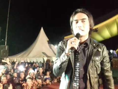 Setia Band-Bintang Kehidupan konser di Kasepuhan Cirebon 8-2-2017