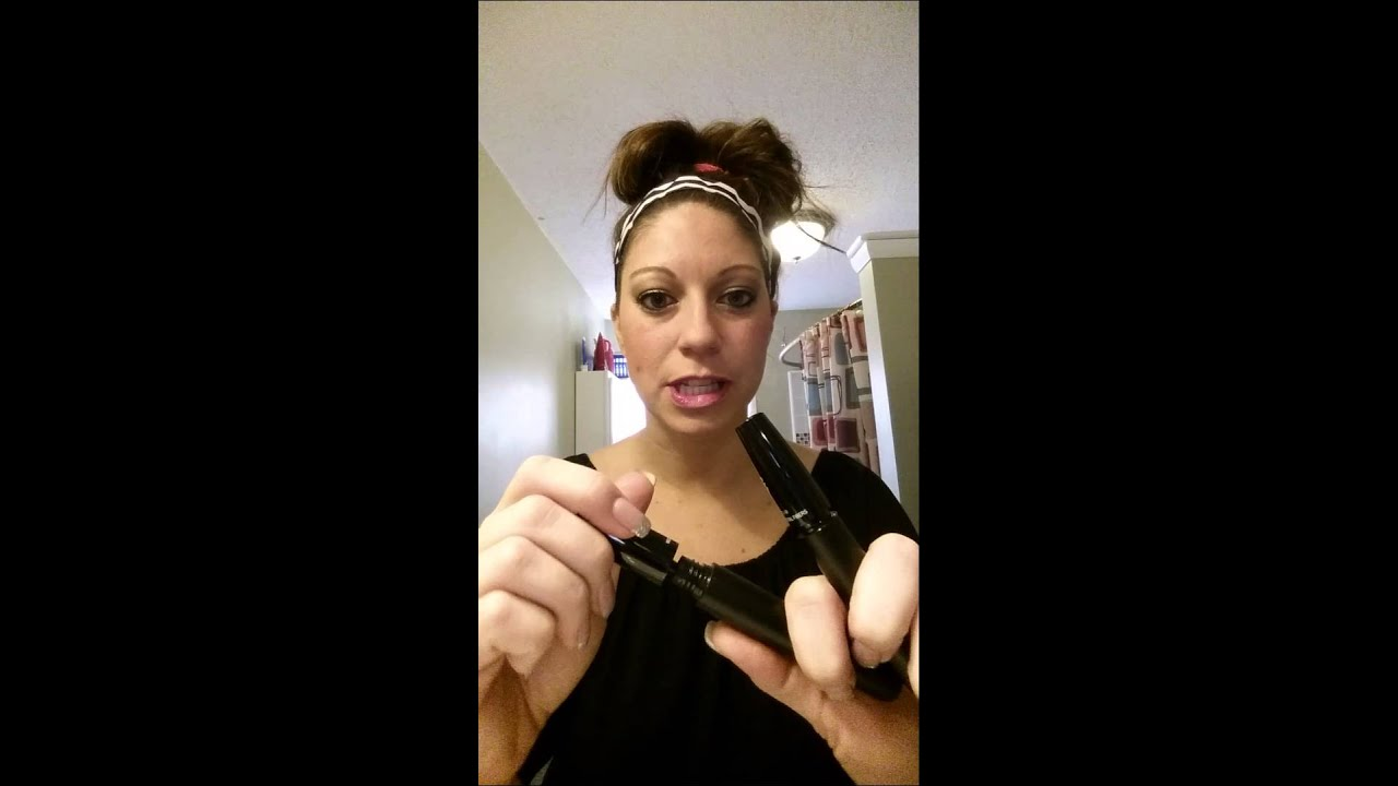 Quick Video On Applying 3D Fiber Lash Mascara