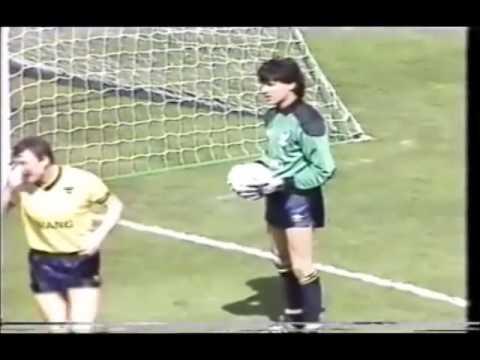 OXFORD UNITED v QPR: Milk Cup Final Wembley 1986 - First Half