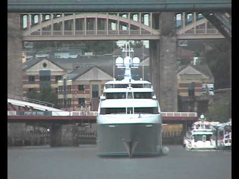 Luxury Motor Yacht Sovereign leaves Newcastle Quayside 6th July 2014