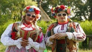Смотреть клип Verka Serduchka, Renia Paczkowska - Hop Hop Hop
