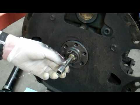 How to Remove a Clutch Pilot Bearing Toyota 20R 22R 22RE 22RET 1979-1995