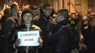 Protest Severin. Protestatarii in fata vilei primarului  Gherghe