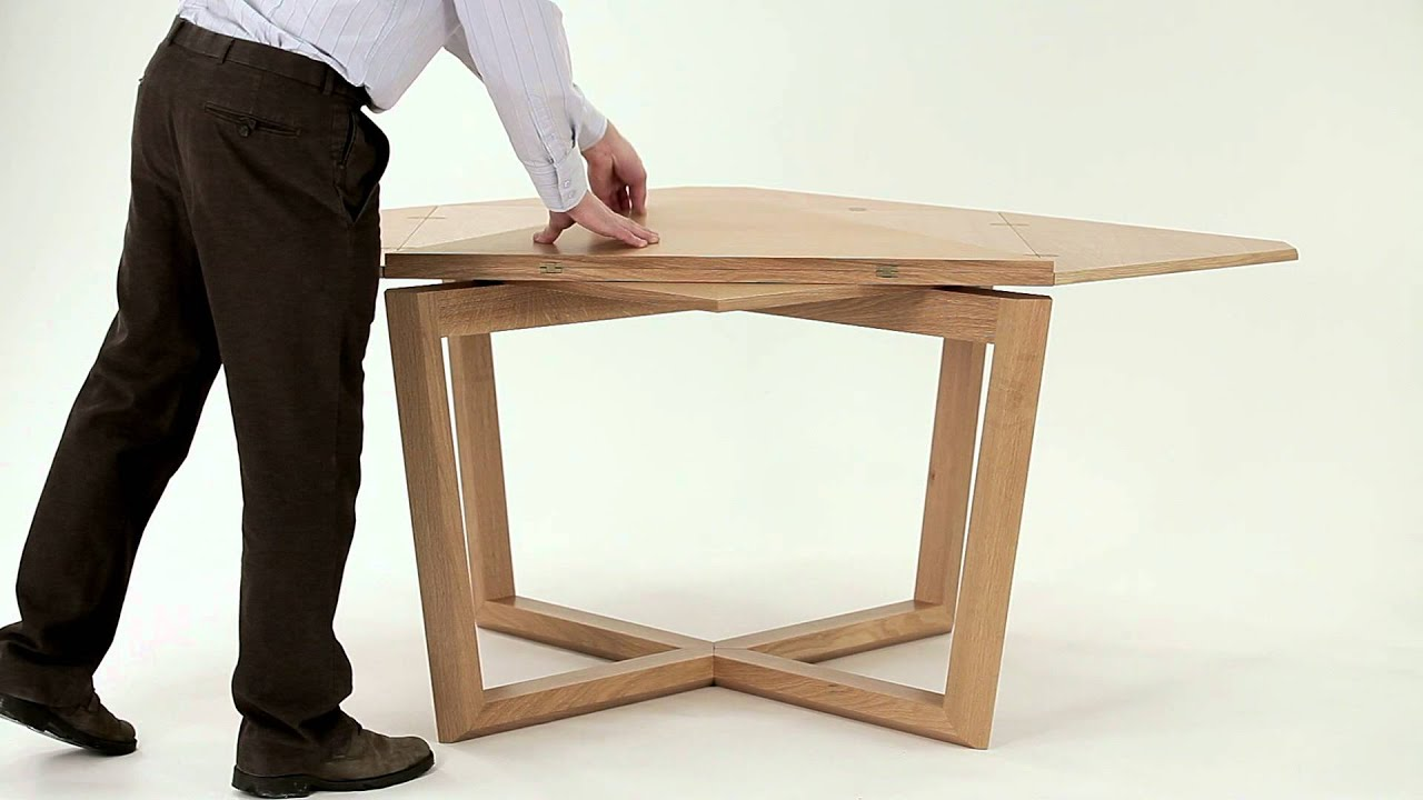 Seer table in oak amazing expanding table doovi for Amazing table