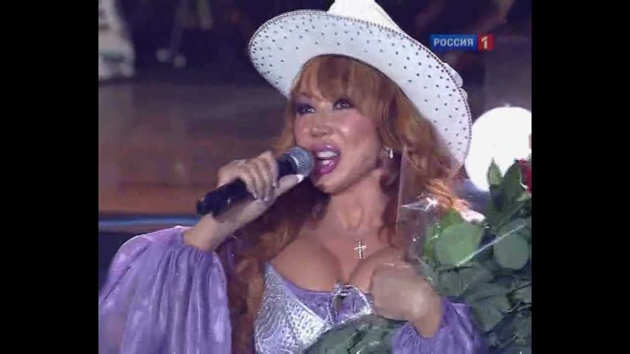 Sexiest Outfits Of All Time - PERFORMANCES | N° 48 | (Masha ...