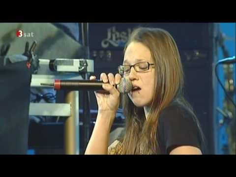 Tower of Power feat. Stefanie Heinzmann: Only so much Oil in the Ground (live)