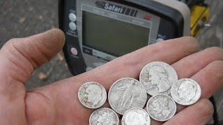 Minelab Safari Seven Silver Park Hunt- Detecting with Gerry