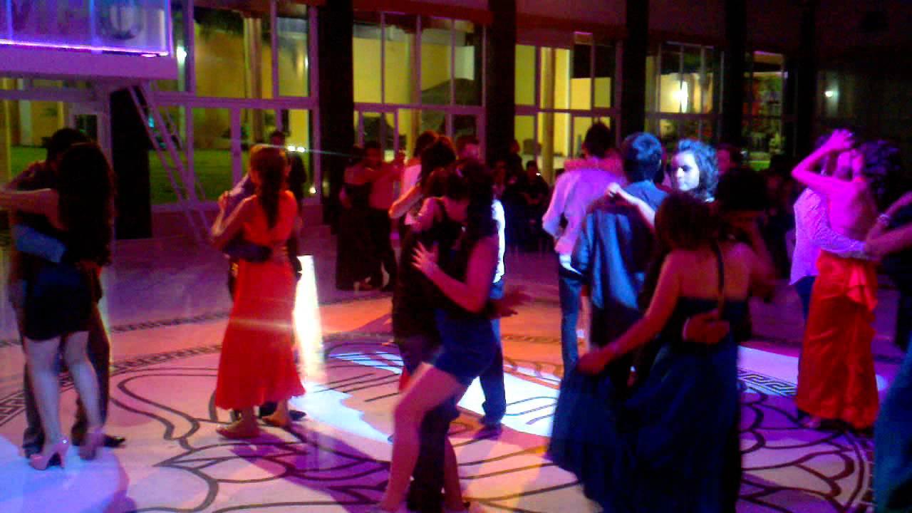 Salon de eventos olimpo con graduados de prepa tonala y for Abrakadabra salon de fiestas