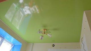 видео Потолки на маленькой кухне