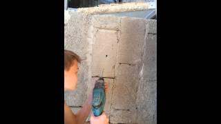 Как крепиться в шлакоблок