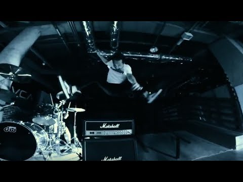 "RAZORS EDGE  ""LIVIN' ON THE EDGE"" (official MV)"