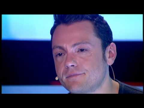 Tiziano Ferro cries on The Voice