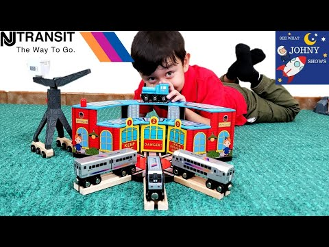 johny-unboxes-munipals-new-jersey-transit-trains-with-train-sheds-&-has-a-train-race