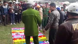 Thách đố nhau bơi qua hồ Xuân Hương, một thanh niên tử nạn