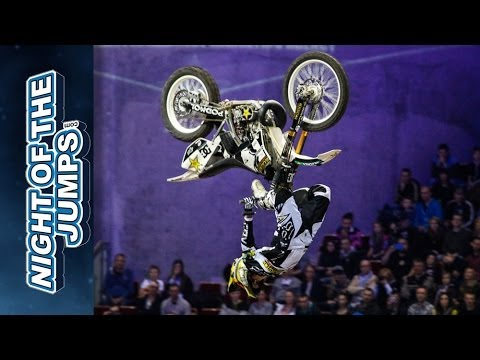 NIGHT of the JUMPs Berlin 2014 - Libor Podmol Crash