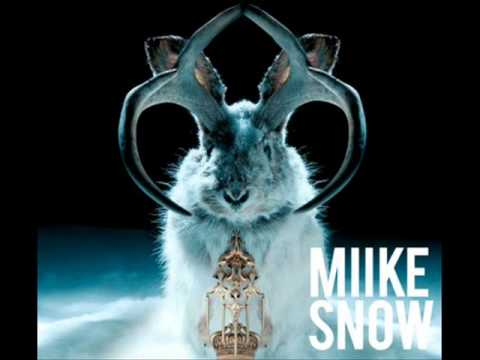 Miike Snow- Black & Blue +lyric