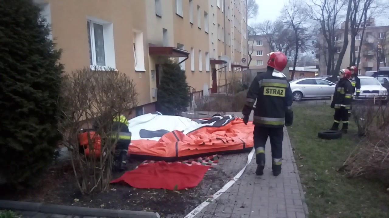 Akcja strażaków na ul. Sokolej