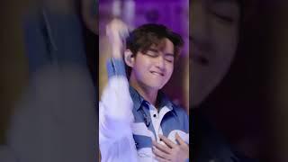 [방탄소년단뷔] #방탄소년단뷔 #김태형 #뷔 #V https://youtu.be/TJ8fyB9CCVg V.v…