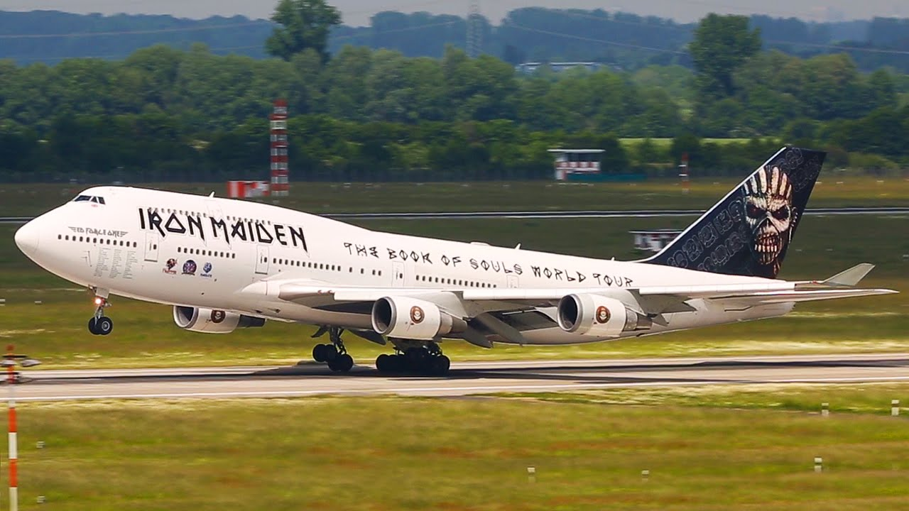 iron maiden boeing 747 arrival and departure at d sseldorf youtube. Black Bedroom Furniture Sets. Home Design Ideas