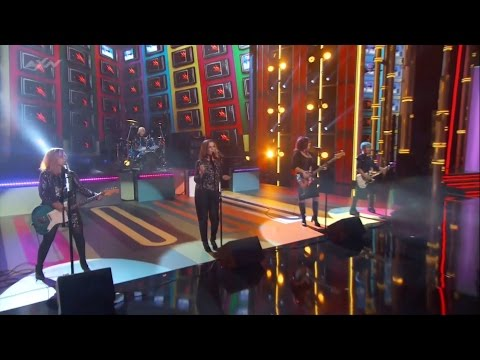 Go-Go's - We Got The Beat (2016 Billboard Music Awards) Full HD