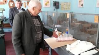 Вчитель праці із села Поляна на Буковині вміє навіть мережку плести