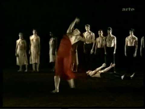 4 Chorégraphie   Pina Bausch 1975   L´Opéra Wuppertal, Tanztheater Wuppertal, L´Elue   Malou Airaudo