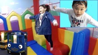 라임이의 신나는 타요 자동차 키즈카페 방방이 장난감 놀이 Tayo Bus Car Kids Cafe Toys Play ТАЙО Игрушки | LimeTube & Toy