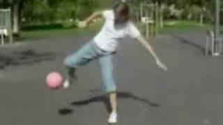 Fotball Girl - www.necromanc.blogspot.com thumbnail