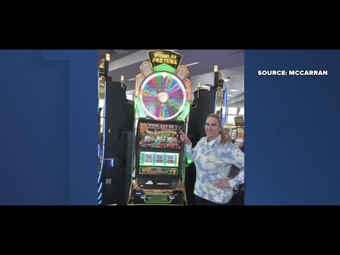 Tourist-wins-jackpot-at-Las-Vegas-airport