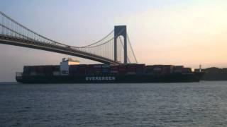 MAIDEN VOYAGE! Container Ship EVER LISSOME Under Verrazano Bridge in New York (June 23, 2014)