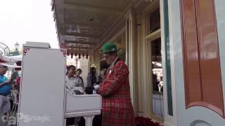 Silent Night Angels We Have Heard - Ragtime Robert - Disneyland Holiday Time 2014