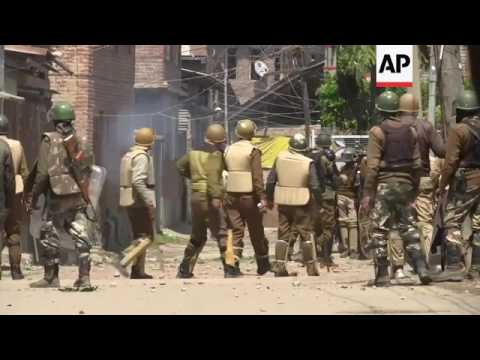 Clashes at Indian Kashmir polling station