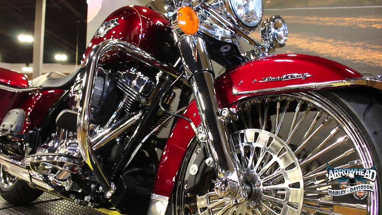 Harley Davidson: Custom 2016 Velocity Red Road King