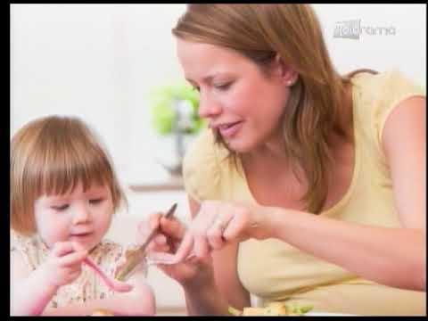 Cómo hacer que mi hijo coma solo con cuchara