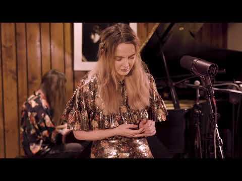 Emma Swift - Simple Twist of Fate (LIVE)